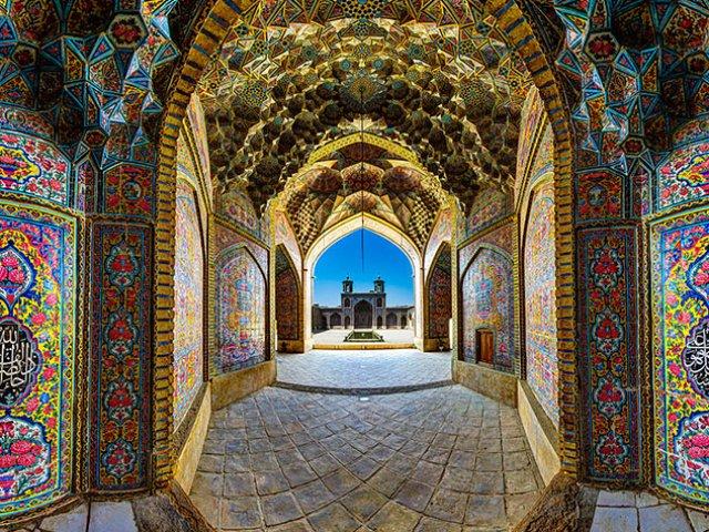 TOUR IRAN : RICAMO DI PIETRA
