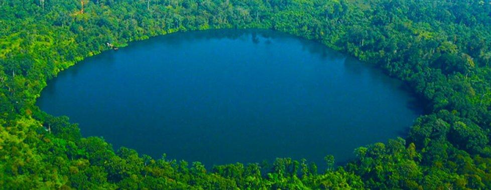 Lago Yaklom