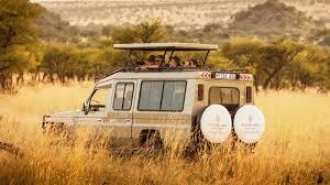 jeep nella savana